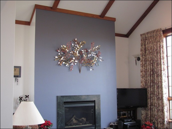 Our October metal wall sculpture is displayed in this beautiful home in Oneida Illinois.