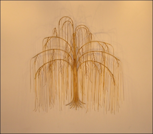 Weeping Willow Tree Metal Wall Decor with shiny golden leaves